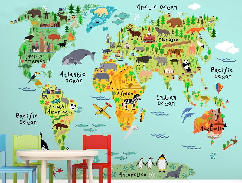 טפט צבעוני של מפת העולם מצויר עם חיות