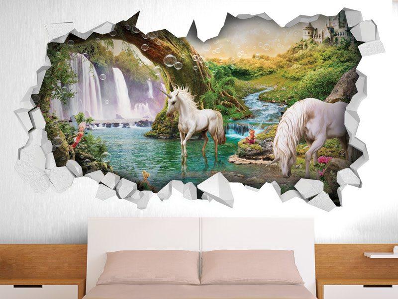 מדבקת קיר חור בקיר חדי קרן ביער קסום עם פיות