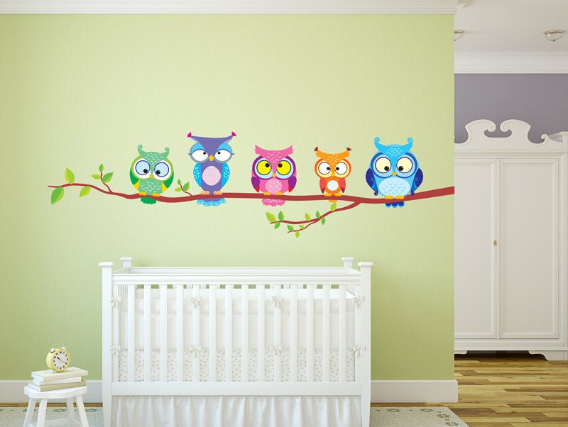 מדבקת קיר משפחת ינשופים צבעונית